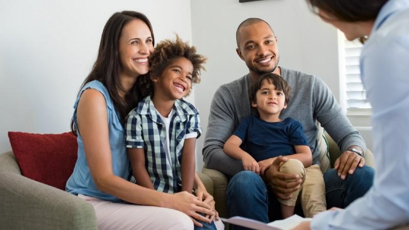 Toda criança vivendo em família – acolhimento familiar